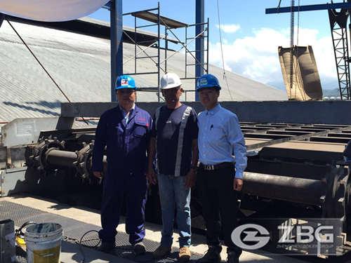 Engineer Mr Gao with customer in Nigeria